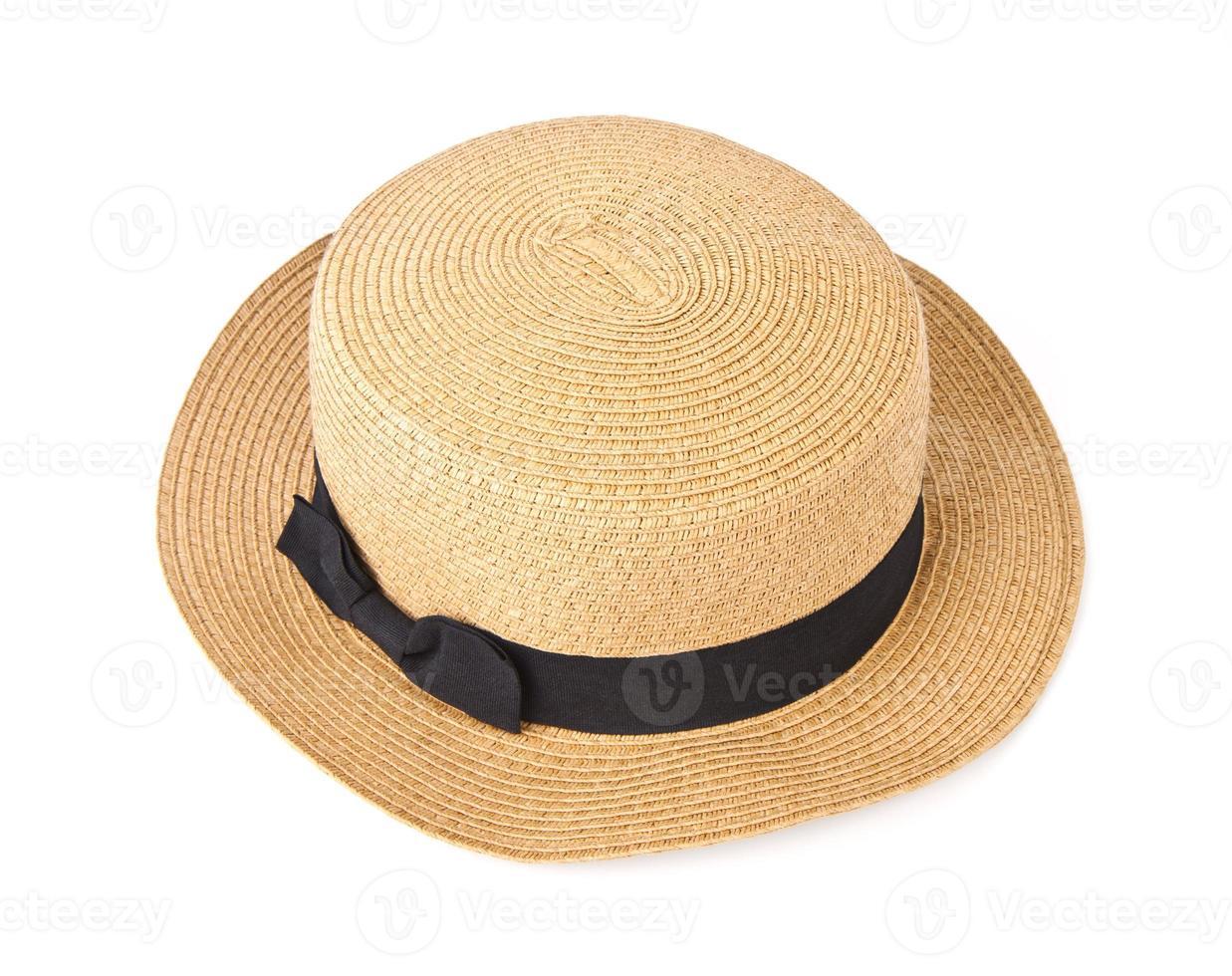 chapéu de palha com fita preta isolada foto