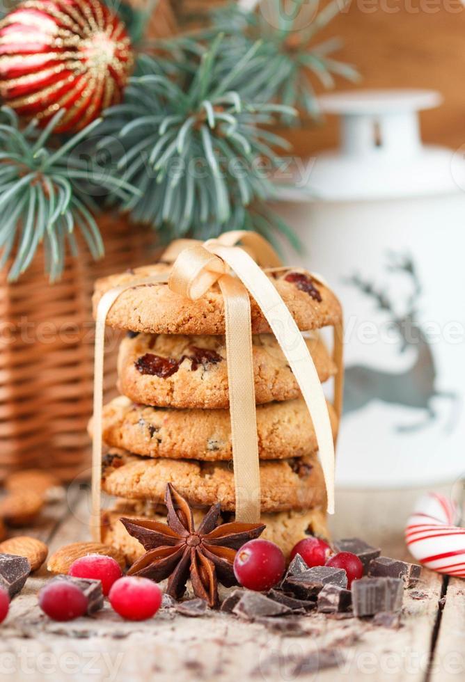 biscoitos com cranberries. presentes de Natal. o estilo rústico foto
