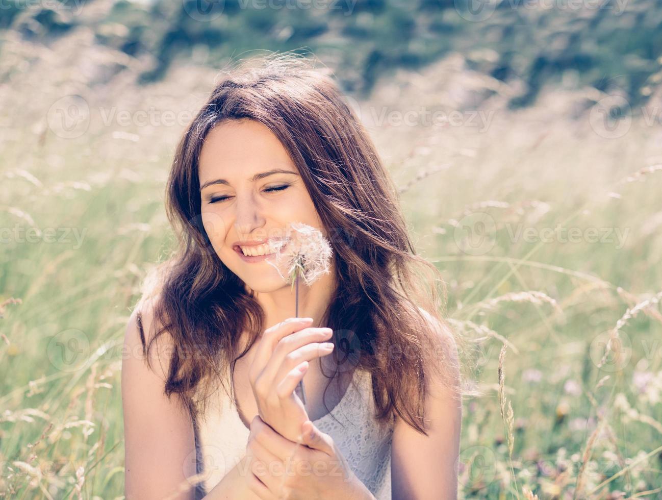 menina de beleza ao ar livre foto