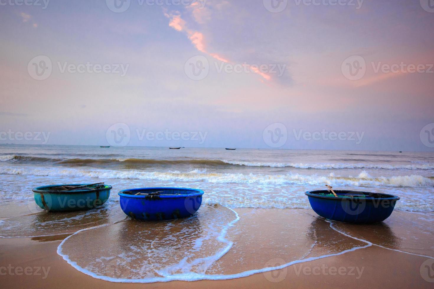 lanchas de pescadores lagi foto