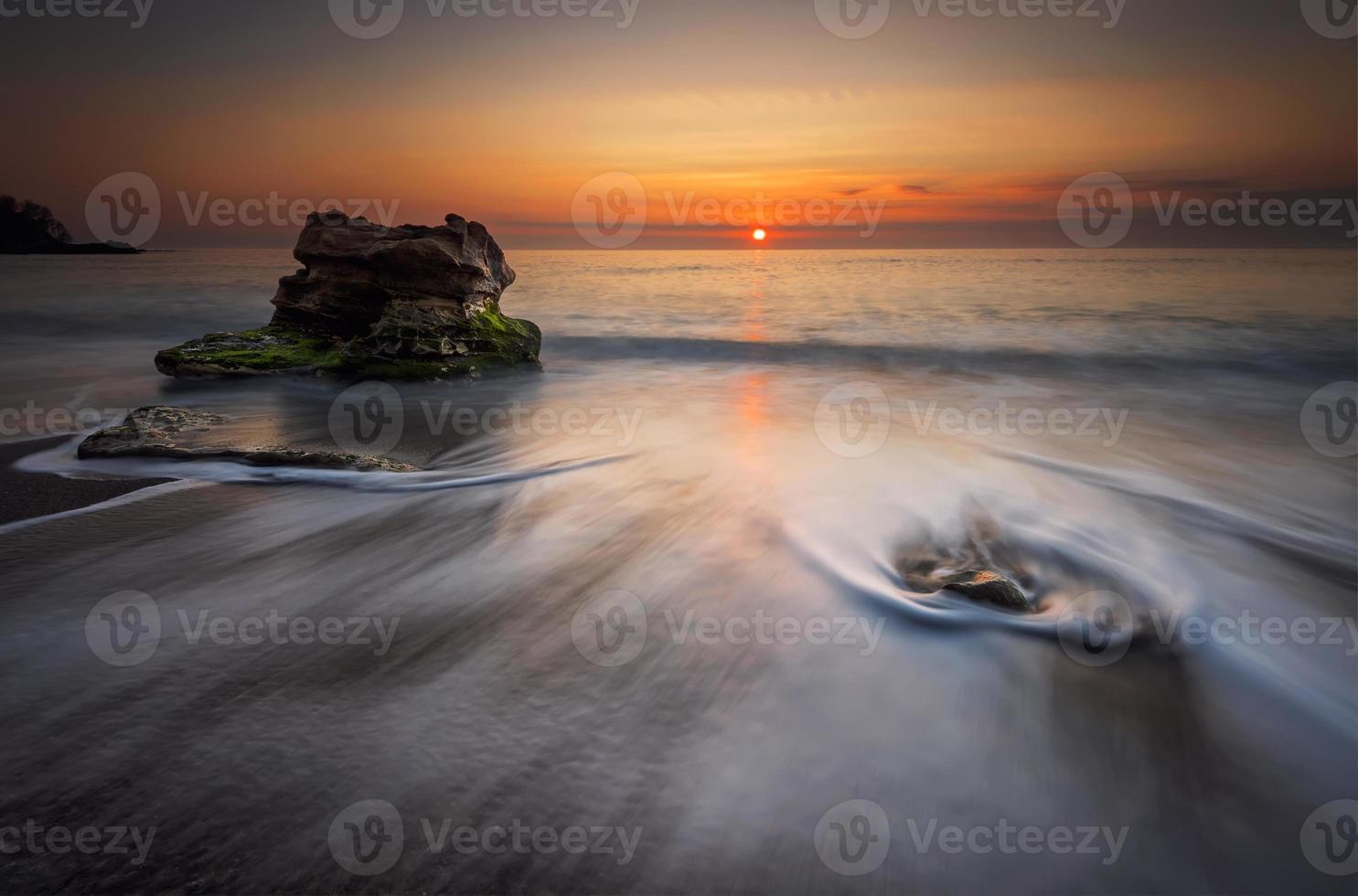 nascer do sol do mar foto