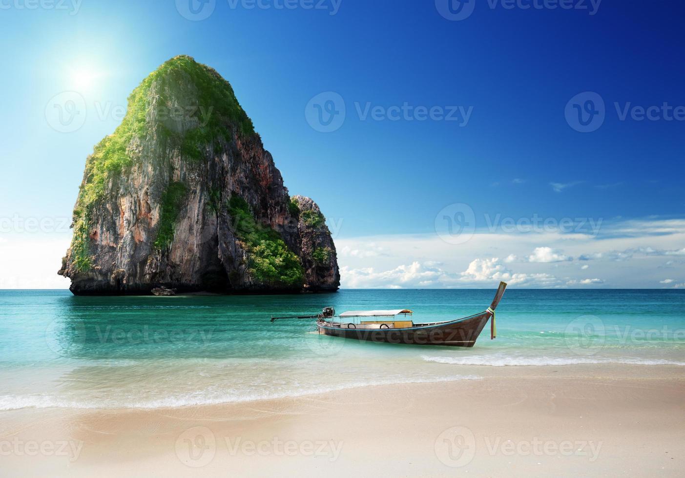 praia na província de Krabi, Tailândia foto
