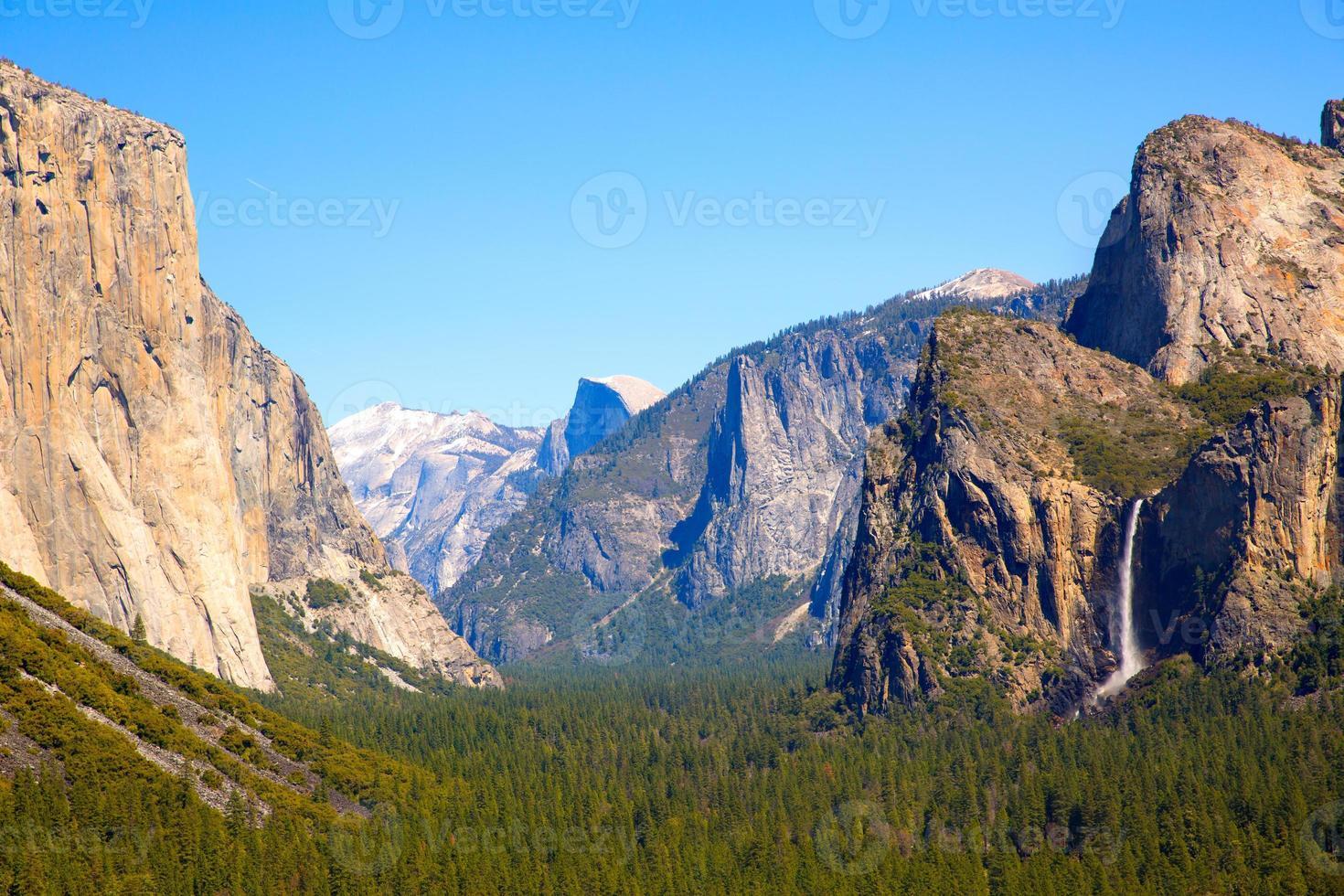 Yosemite el Capitan e Half Dome na Califórnia foto