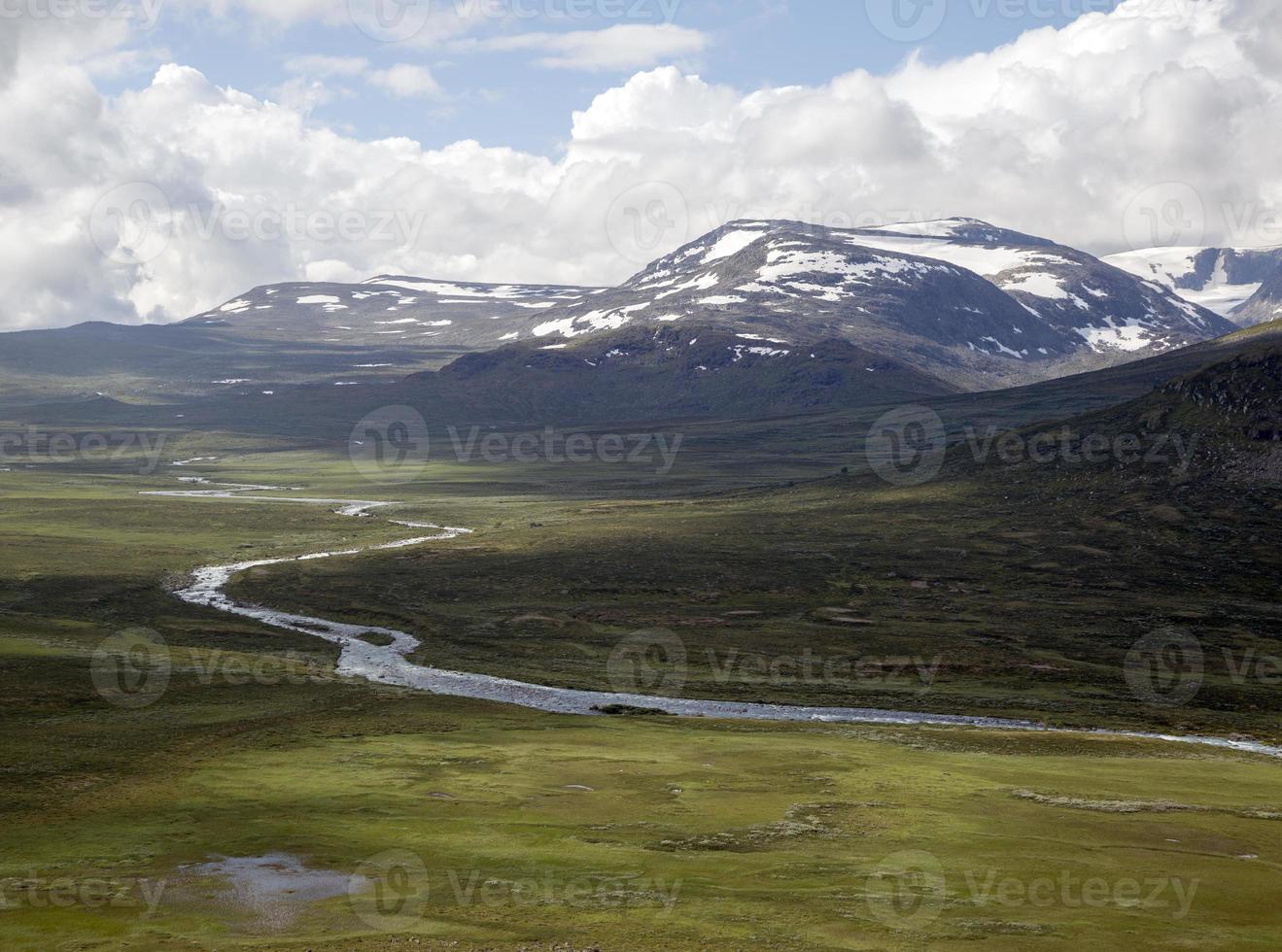 vale leirungsdalen (parque nacional jotunheimen, vaga, noruega) foto
