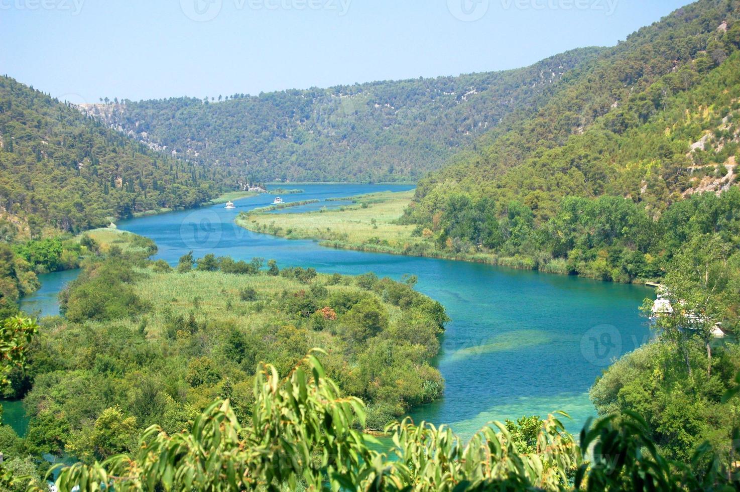 cachoeiras lindas no parque nacional krka, na croácia foto