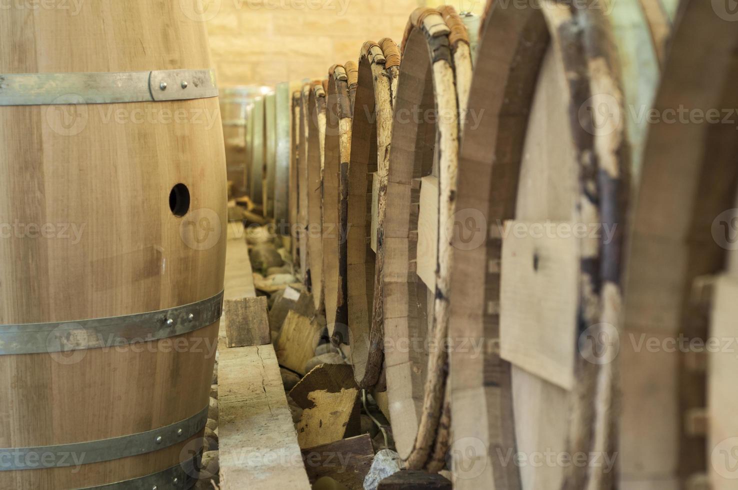 barris de vinho de madeira foto