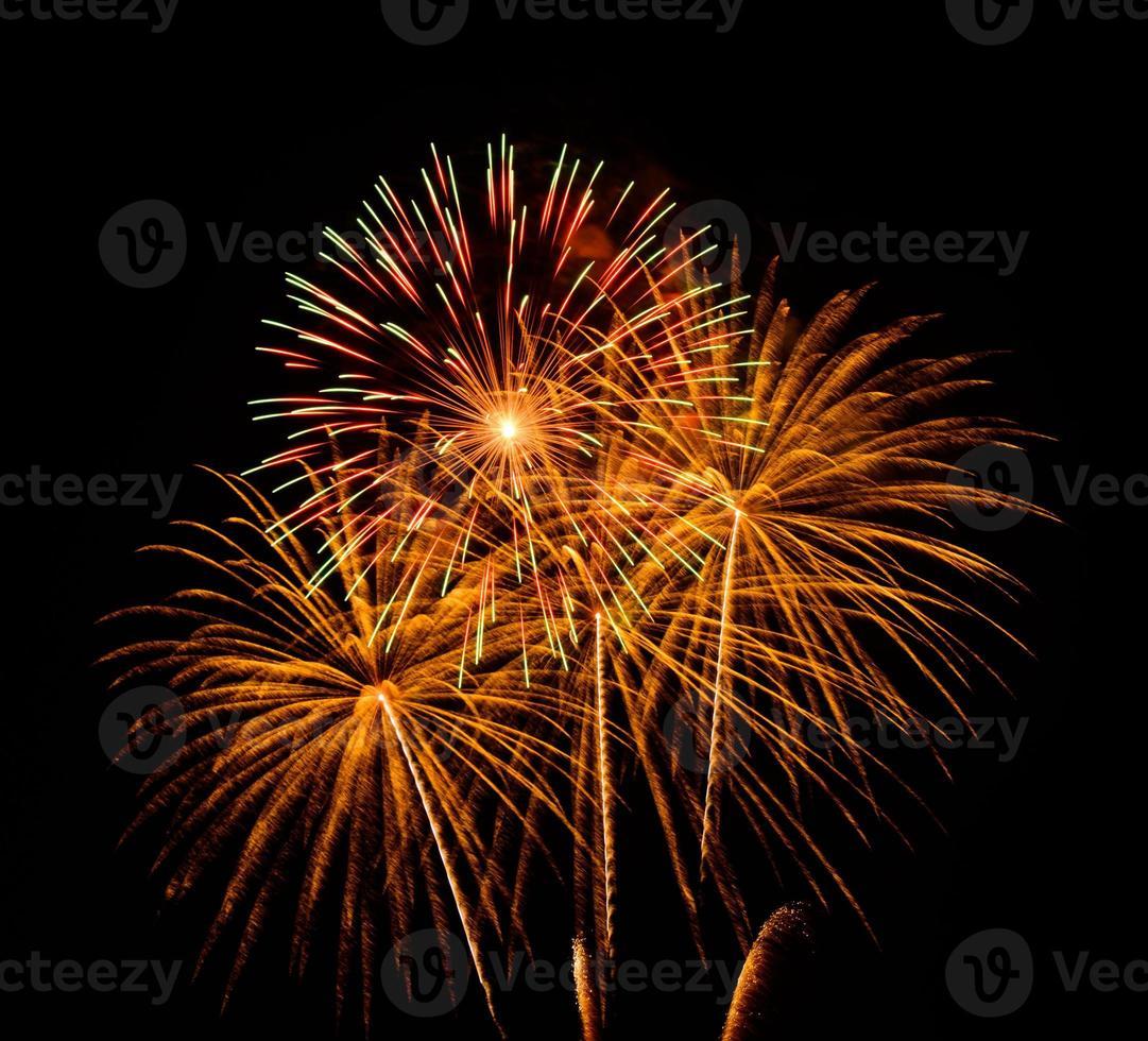 fogos de artifício à noite foto