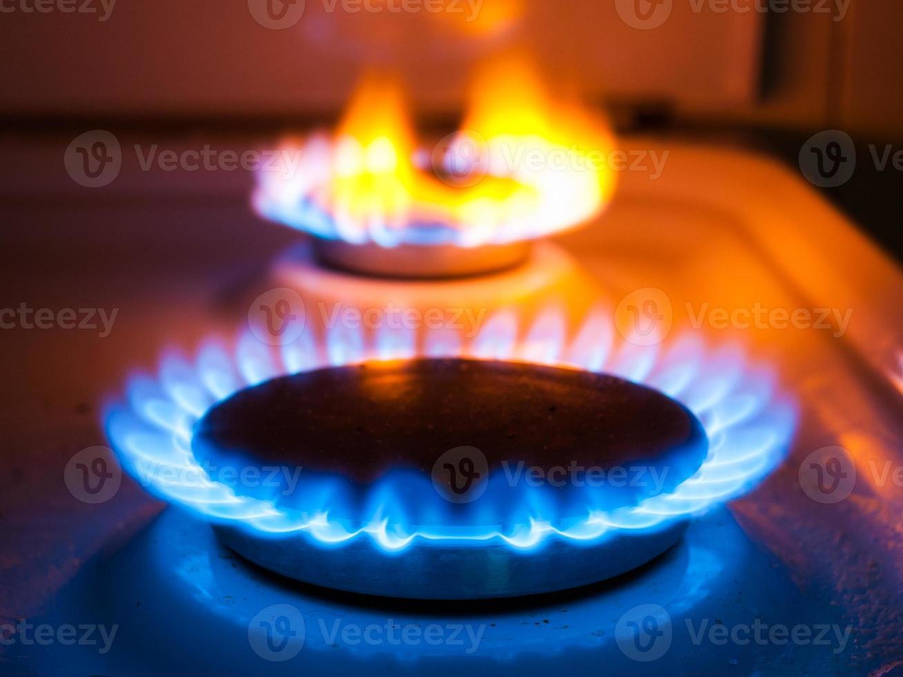 queimador de gás na cozinha foto