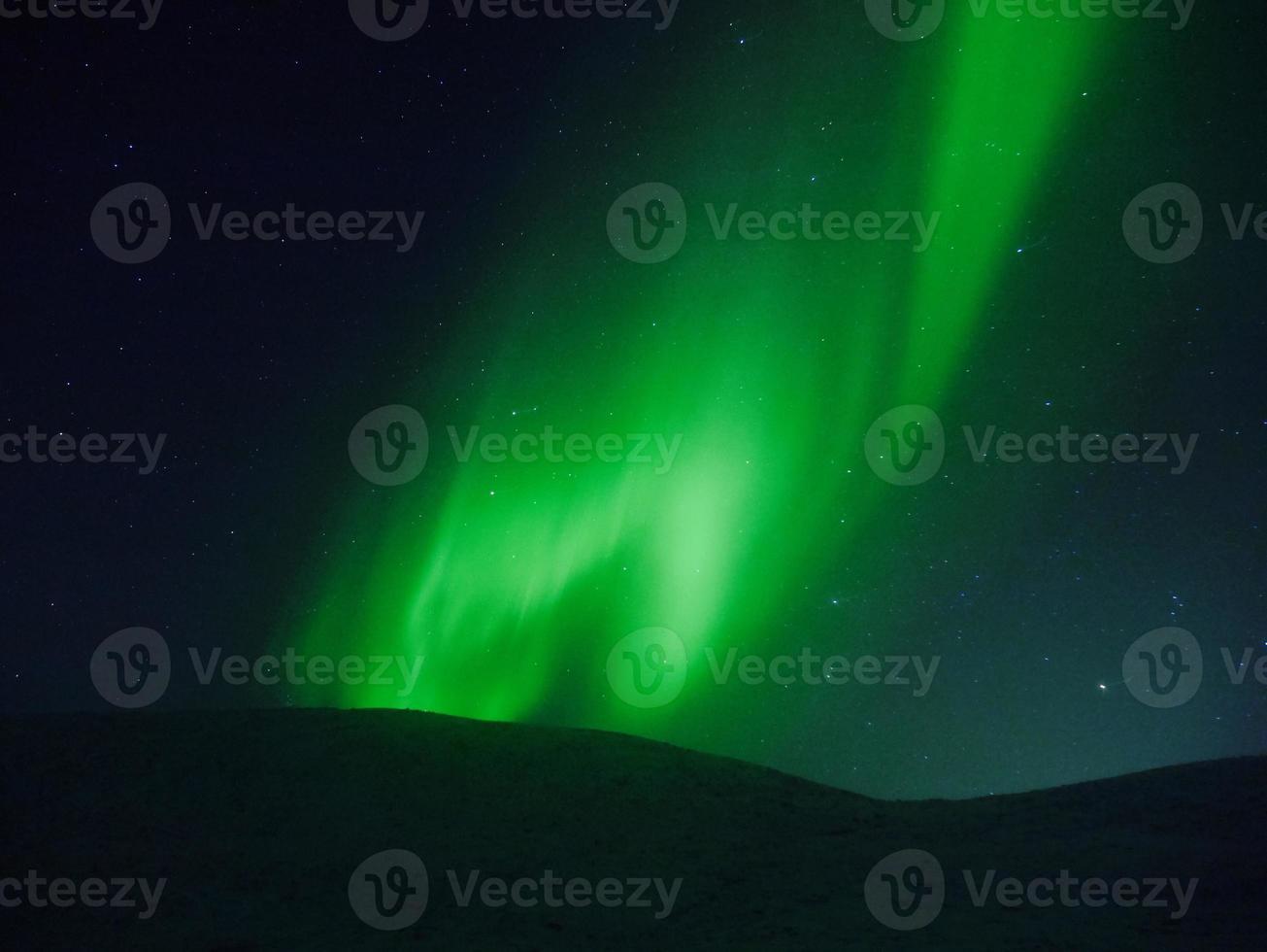 exibição das luzes do norte em tromso foto