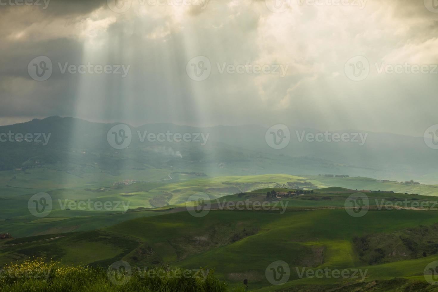 paisagem toscana perto de volterra (pisa, itália) foto