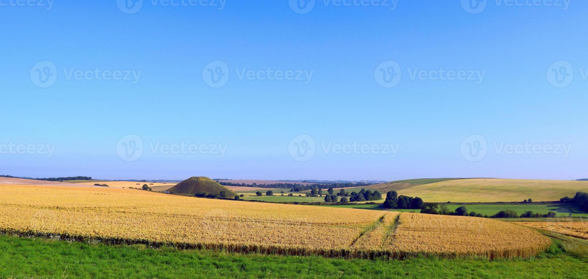 campos e colina silbury foto