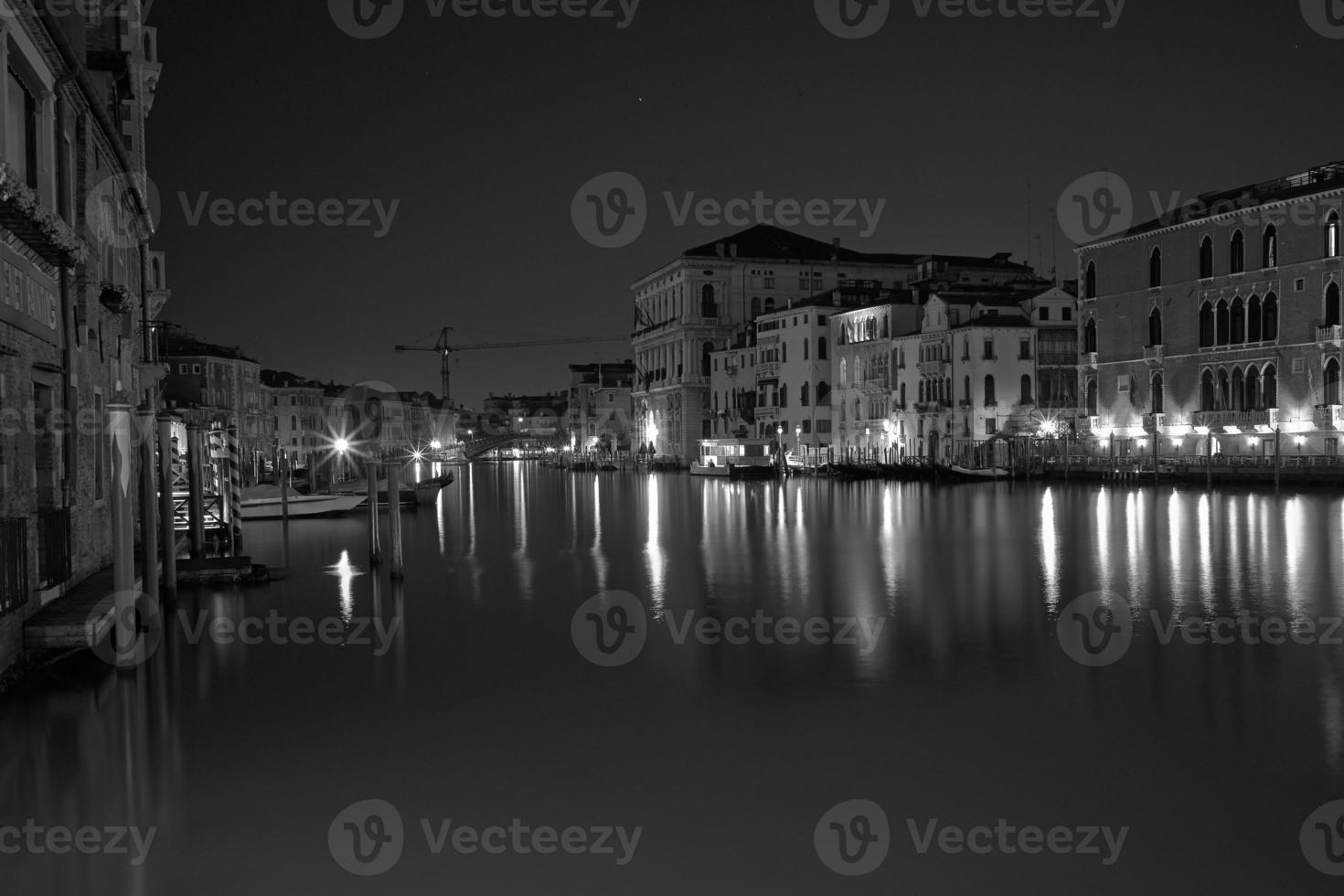 venezia longa exposição à noite. foto