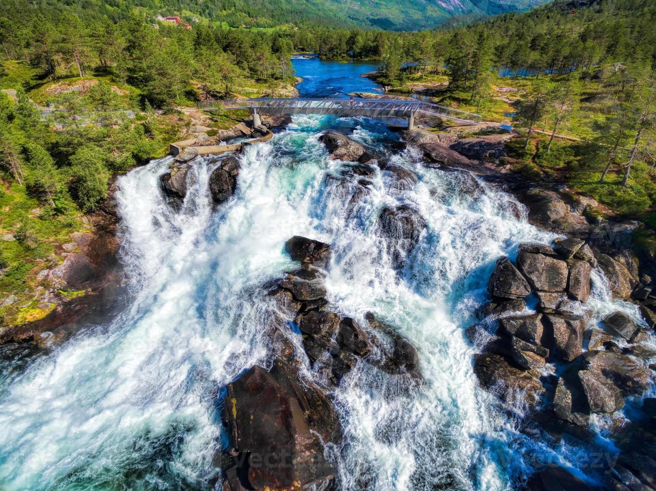 Cachoeira Likholefossen na Noruega foto