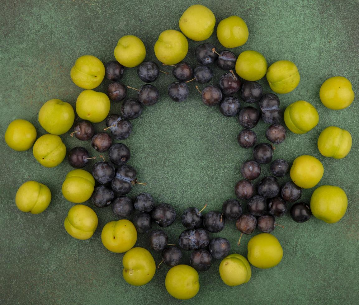 fotografia de alimentos postura plana de frutas com espaço de cópia foto