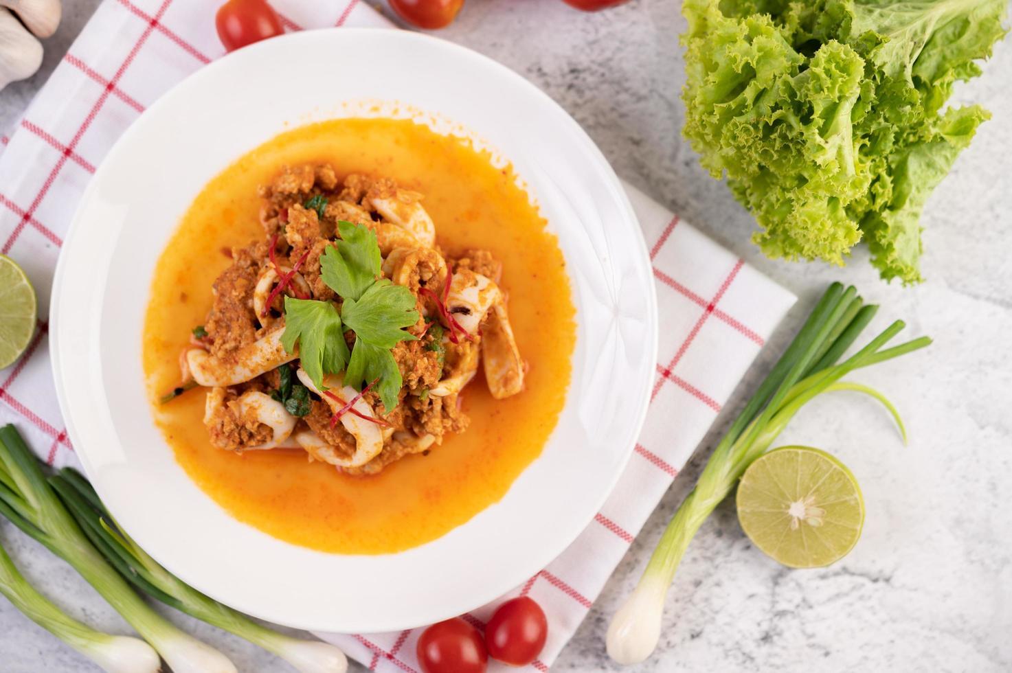 lulas fritas com tempero de curry foto