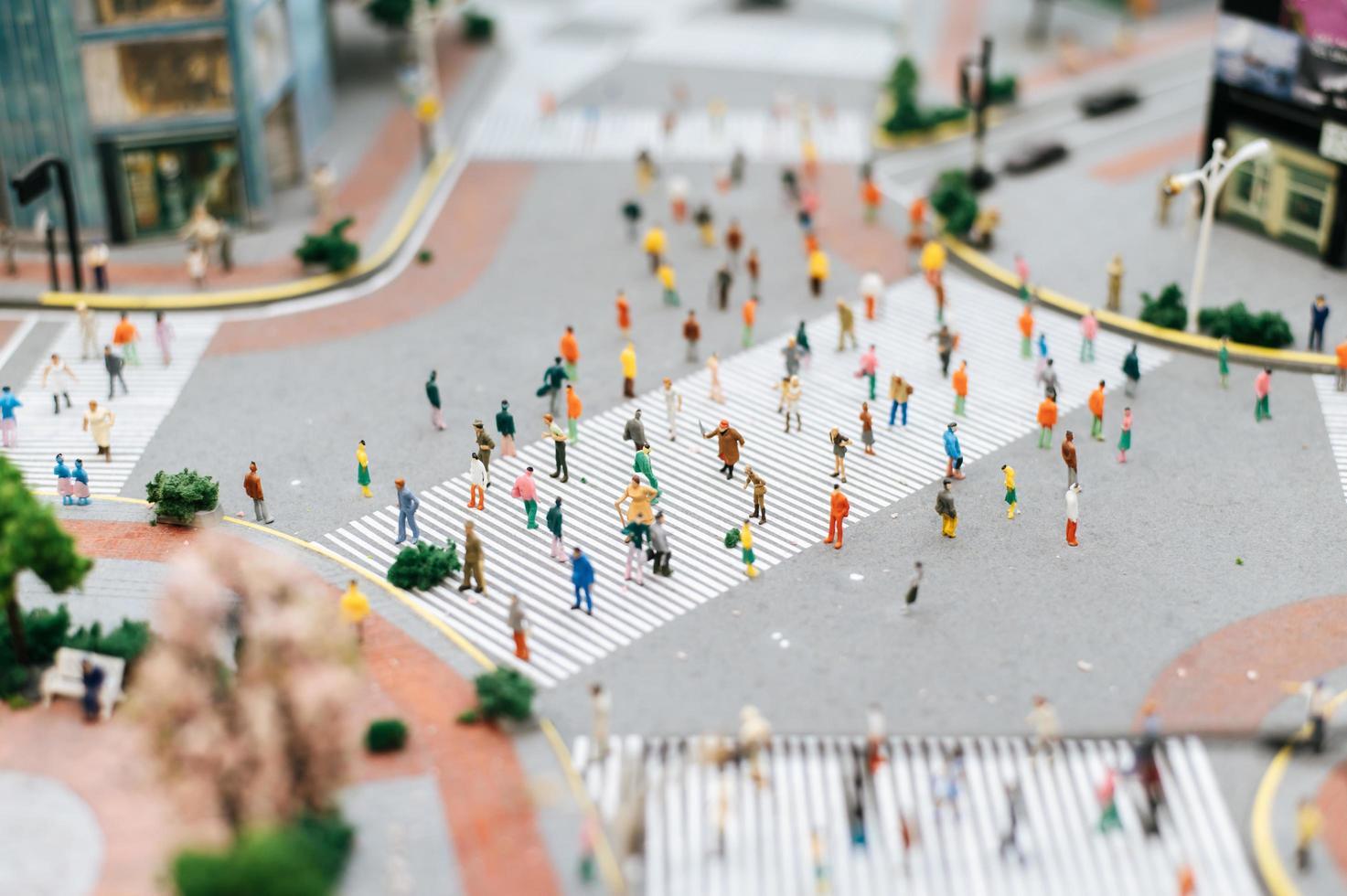 pequena mudança de inclinação pessoas paisagem urbana foto