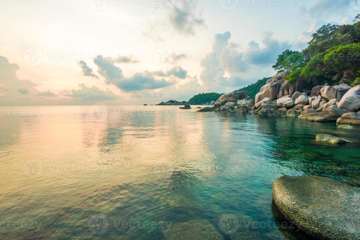 belas ilhas koh tao na tailândia. mergulho paraíso com foto