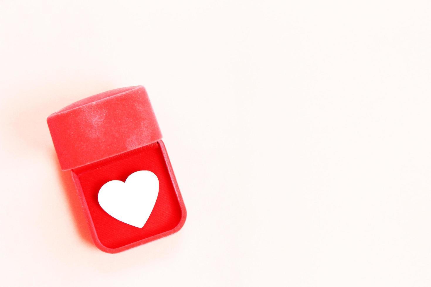 caixa de anel com coração foto