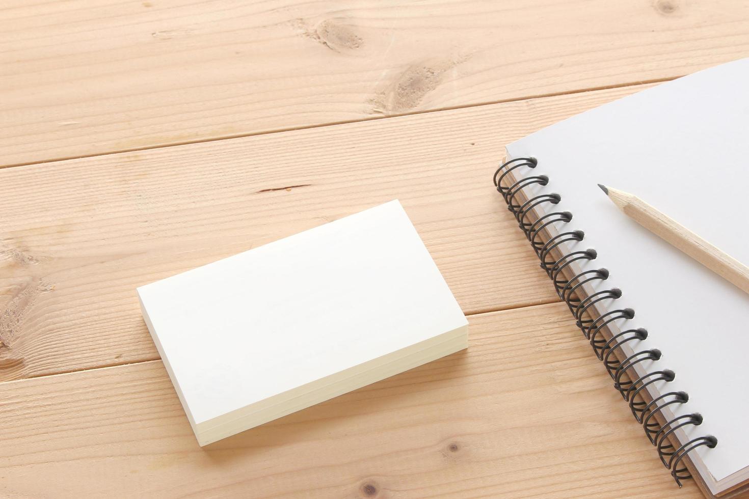 maquete de cartão de visita com notebook foto