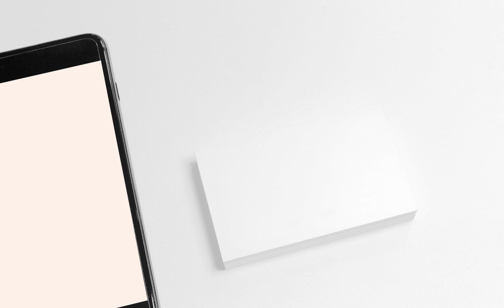 mock-up de telefone e cartão de visita foto