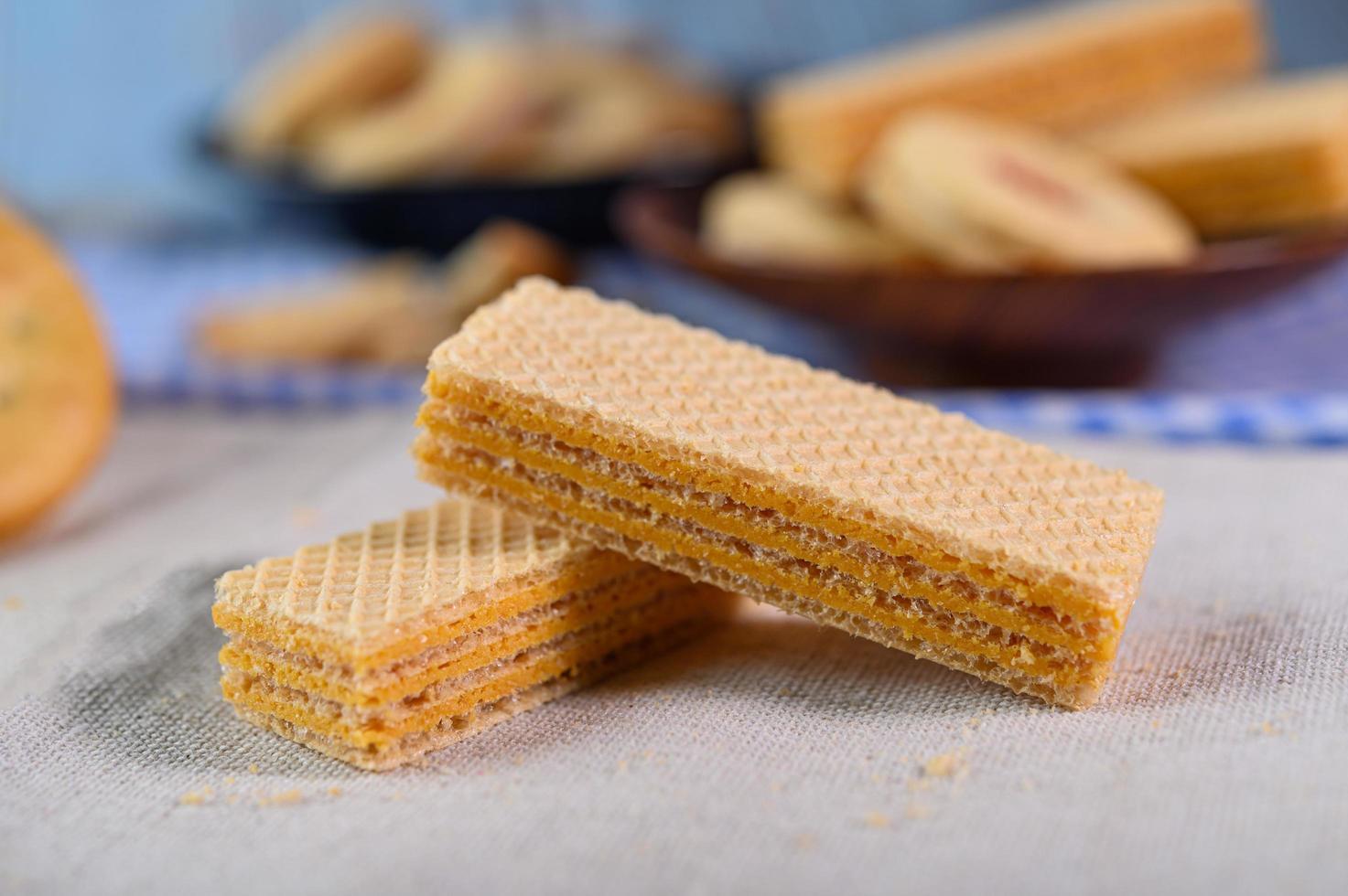 biscoitos dispostos em um pano foto