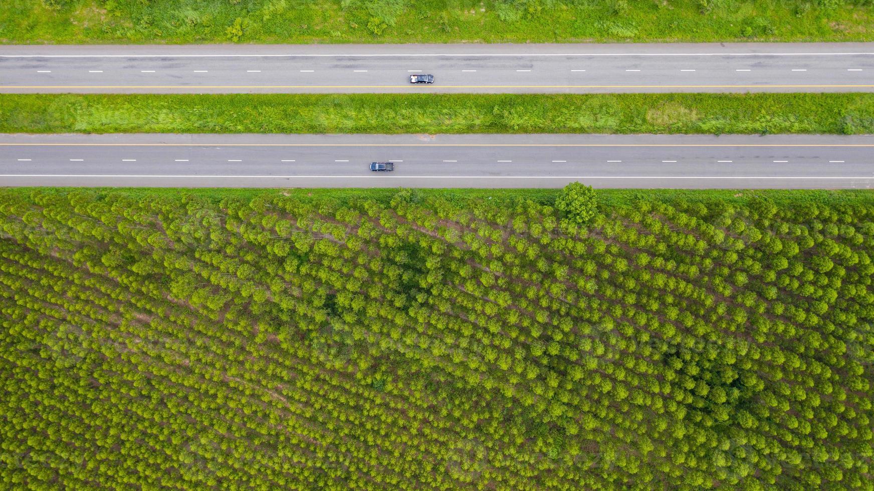 vista aérea de carros nas estradas foto