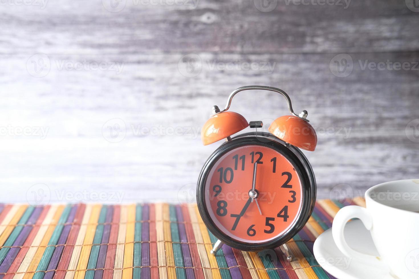 velho despertador foto