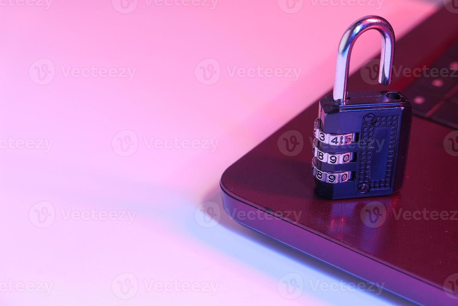 cadeado em um teclado foto