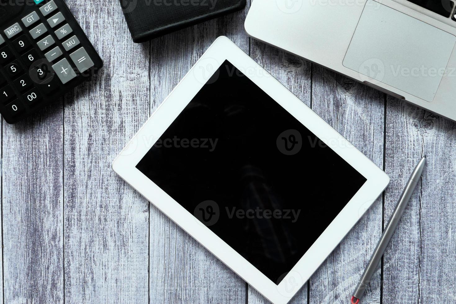 composição plana de tablet digital foto