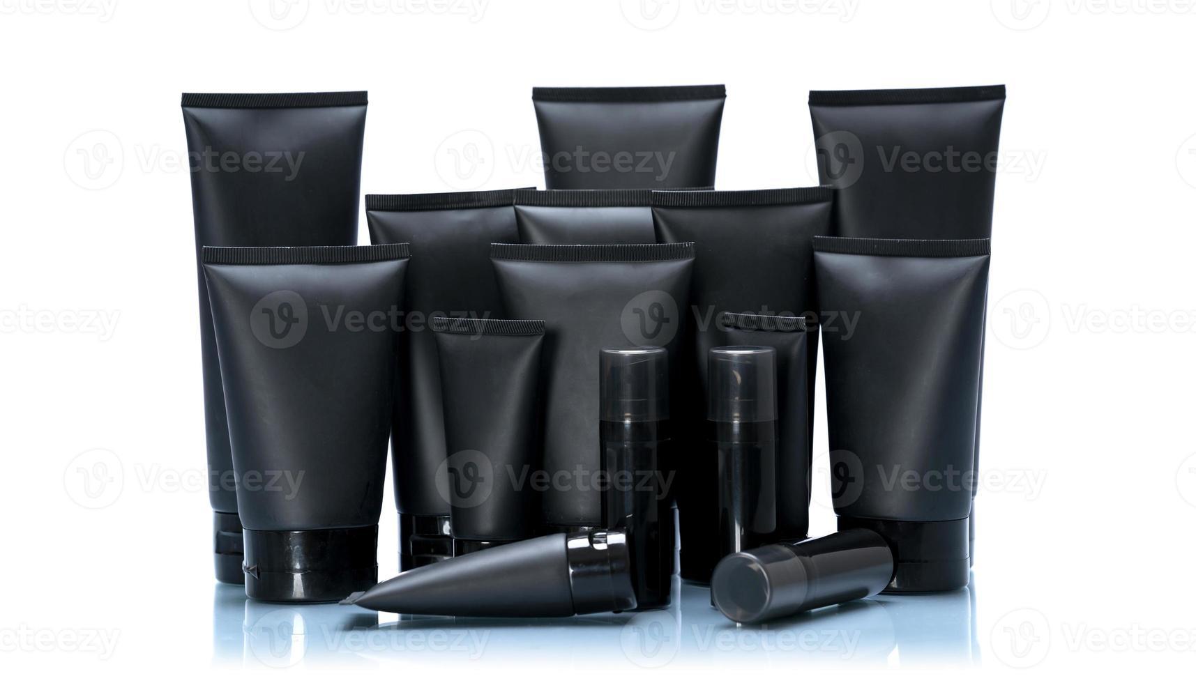 Conjunto de maquete de tubo cosmético preto isolado no fundo branco foto