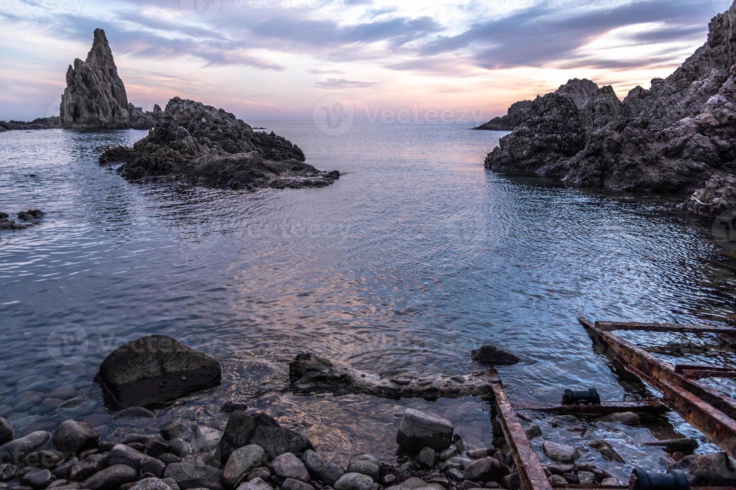paisagem marítima do pôr do sol foto
