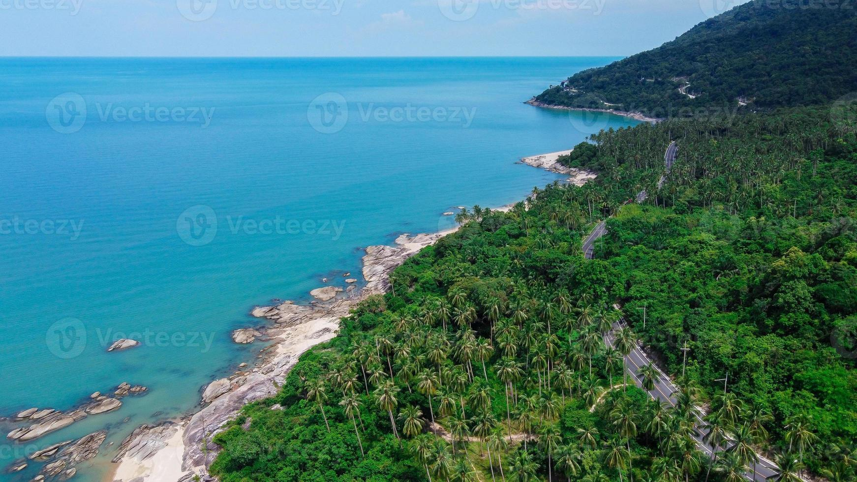 estrada da ilha na tailândia foto