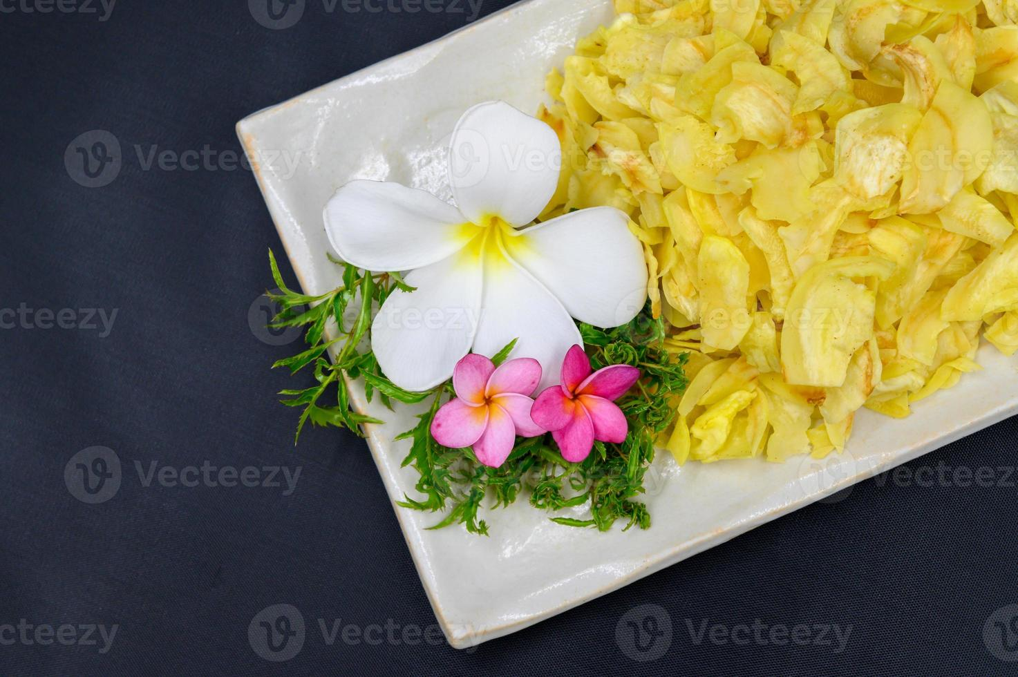 durian frito com flores foto