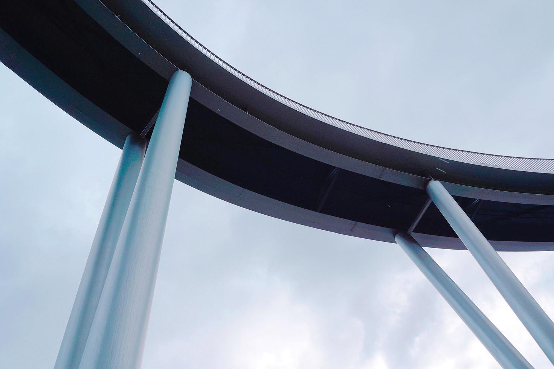 arquitetura de ponte na cidade de bilbao, espanha foto
