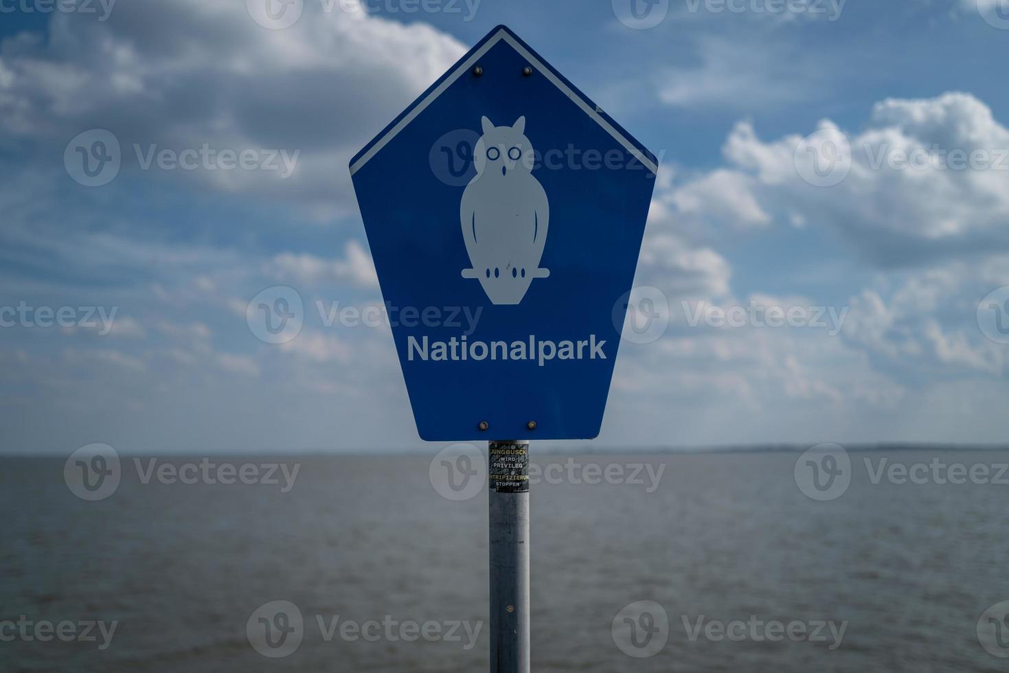 um sinal do Nationalpark em Wilhelmshaven foto