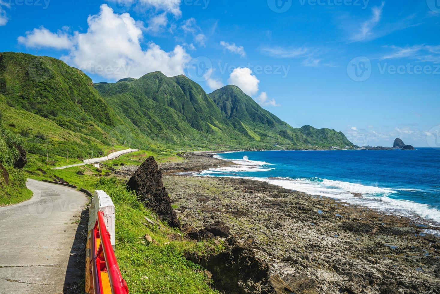 cenário da costa lanyu na ilha das orquídeas, taitung, taiwan foto