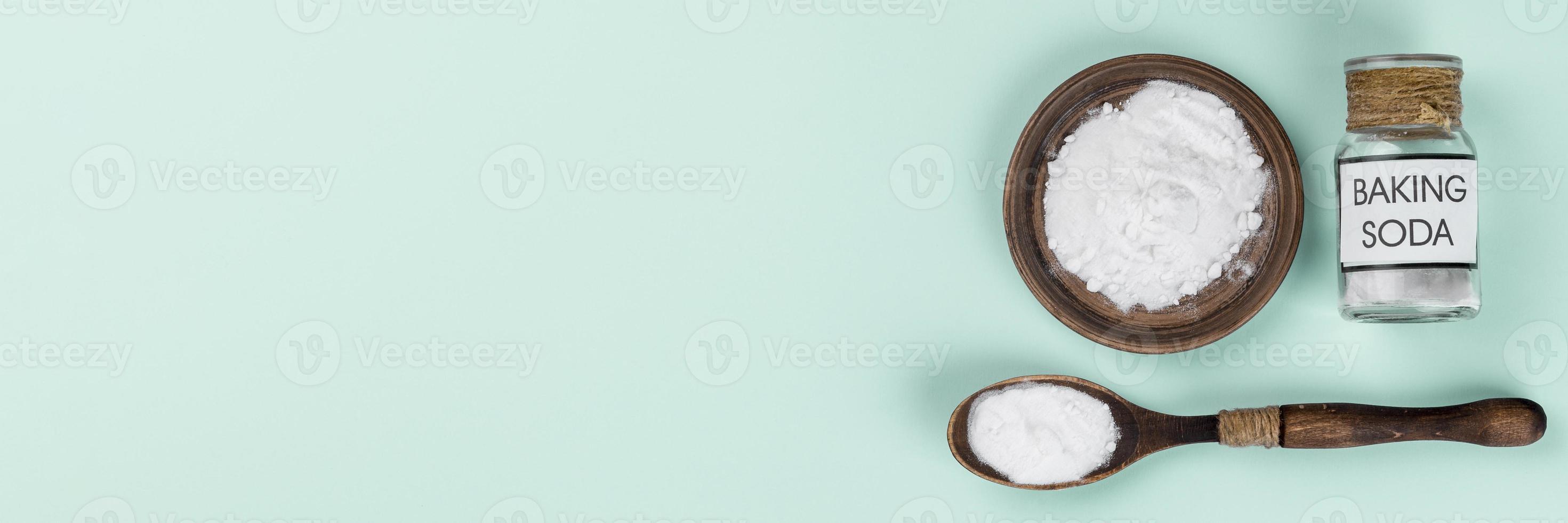 vista superior do produto de limpeza ecológica de bicarbonato de sódio foto