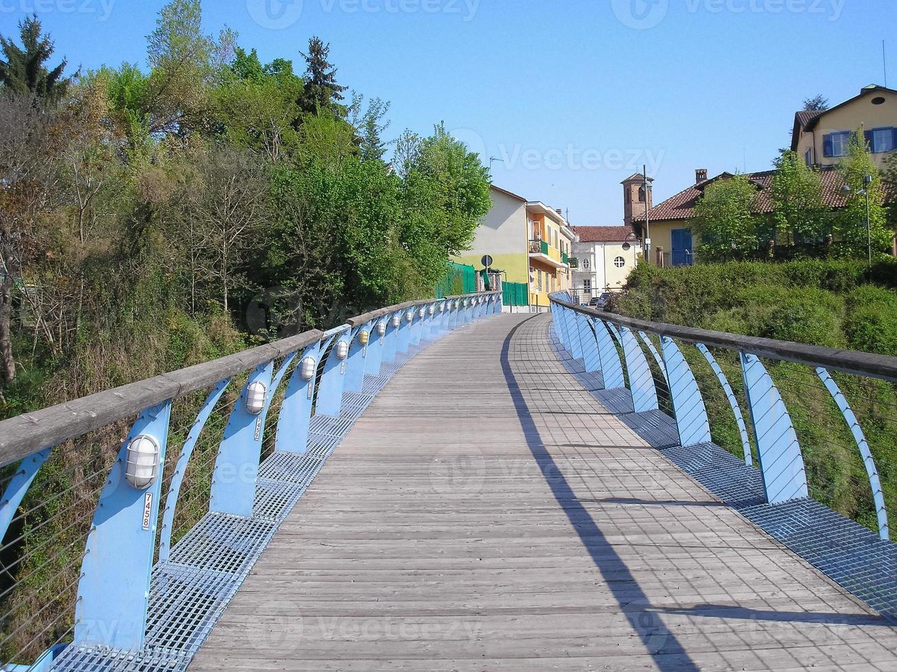 Ponte Zuin sobre o Rio Sangone em Beinasco foto