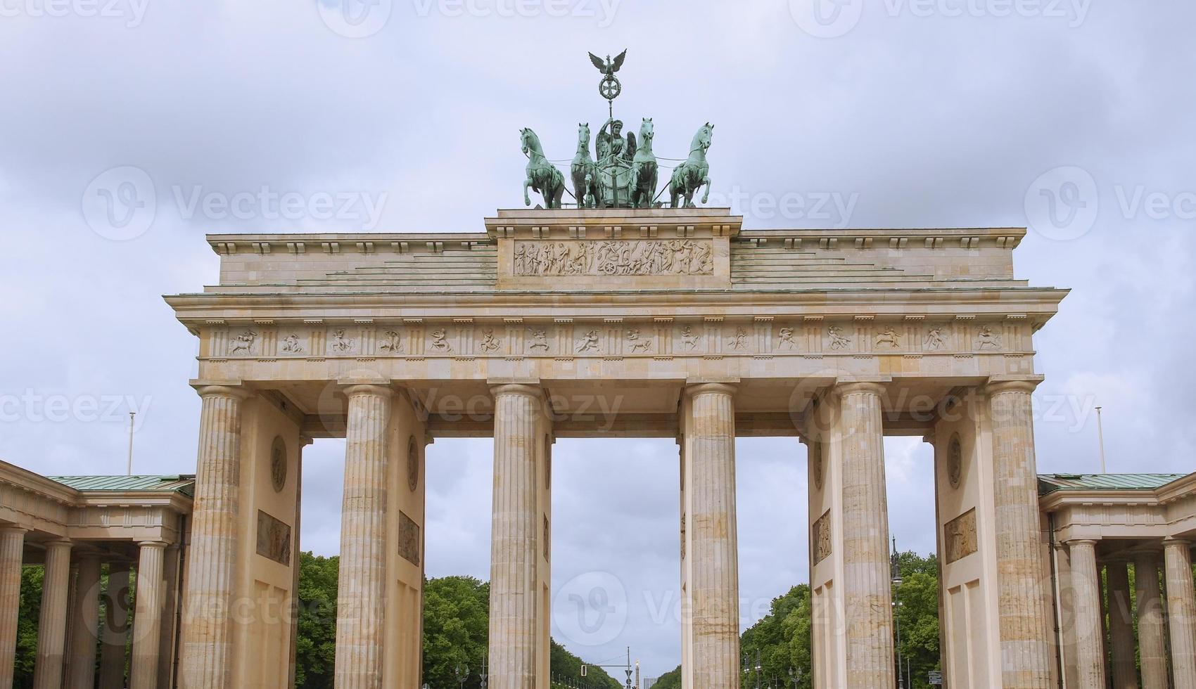 Brandenburger Tor em Berlim foto
