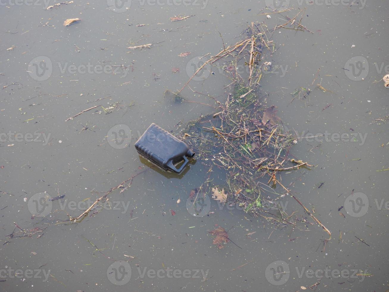 poluição da água do canal foto
