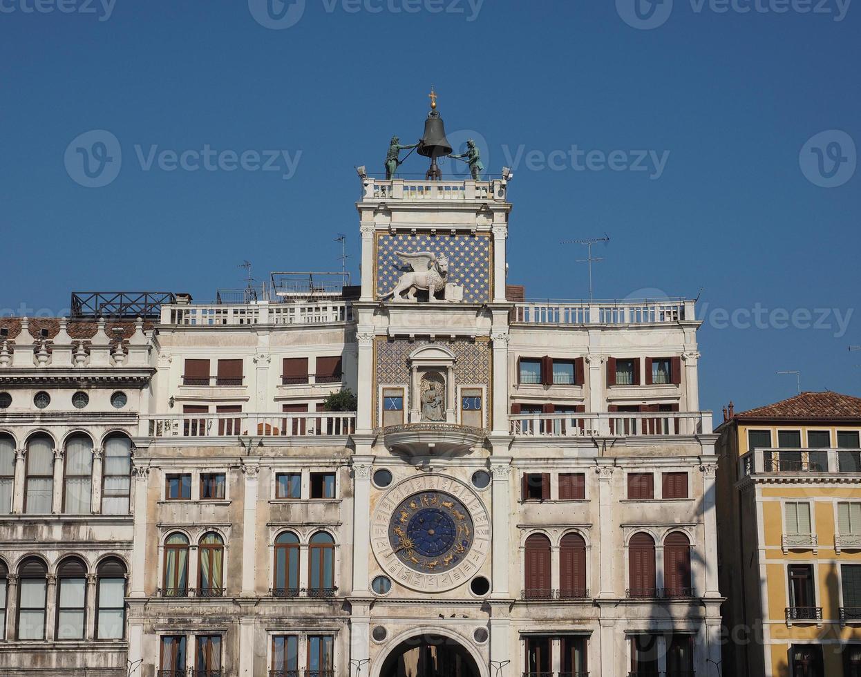 torre do relógio st mark em veneza foto