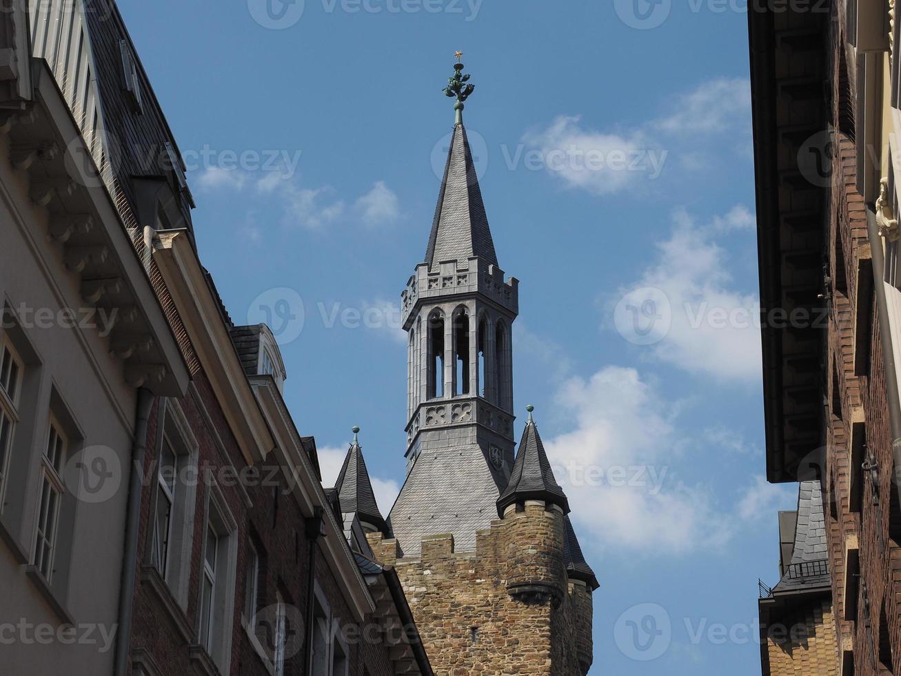 torre turm der alte pfalzanlage do antigo palatinado em aachen foto