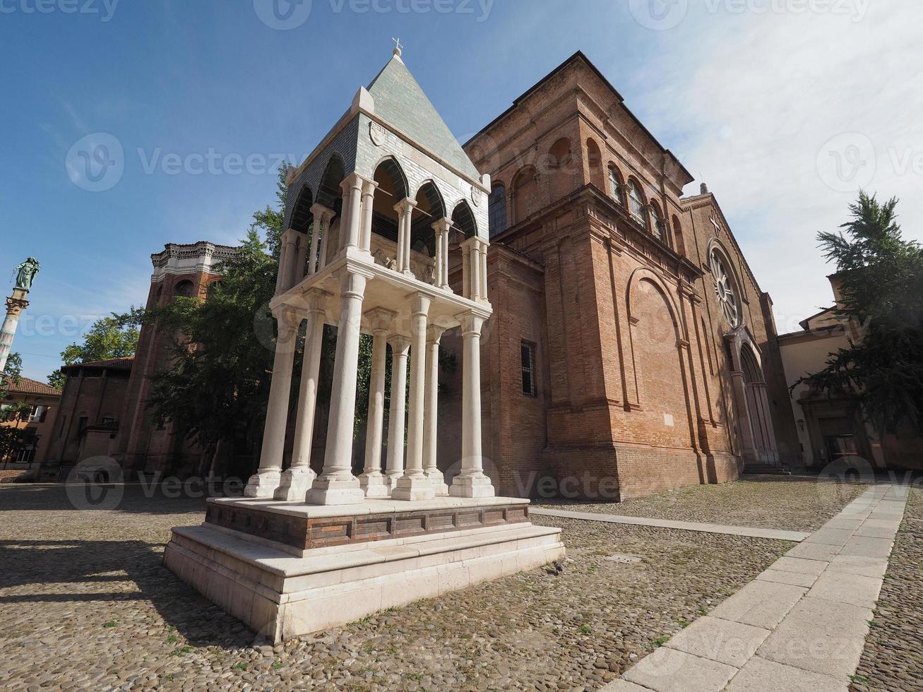 Igreja de San Domenico em Bolonha foto