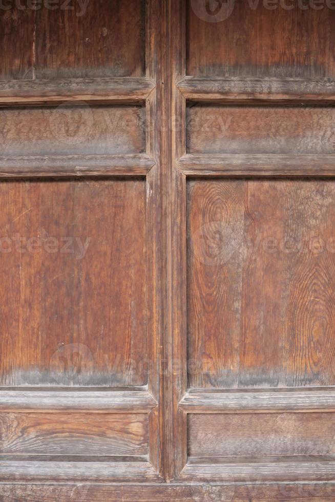 porta de madeira no museu de artes folclóricas de tianshui, china foto