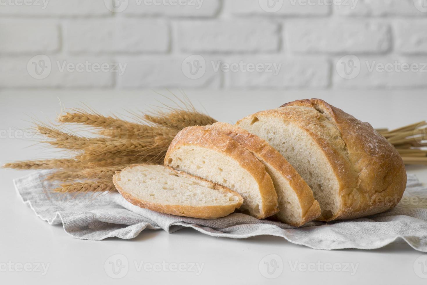 pão fresco fatiado foto