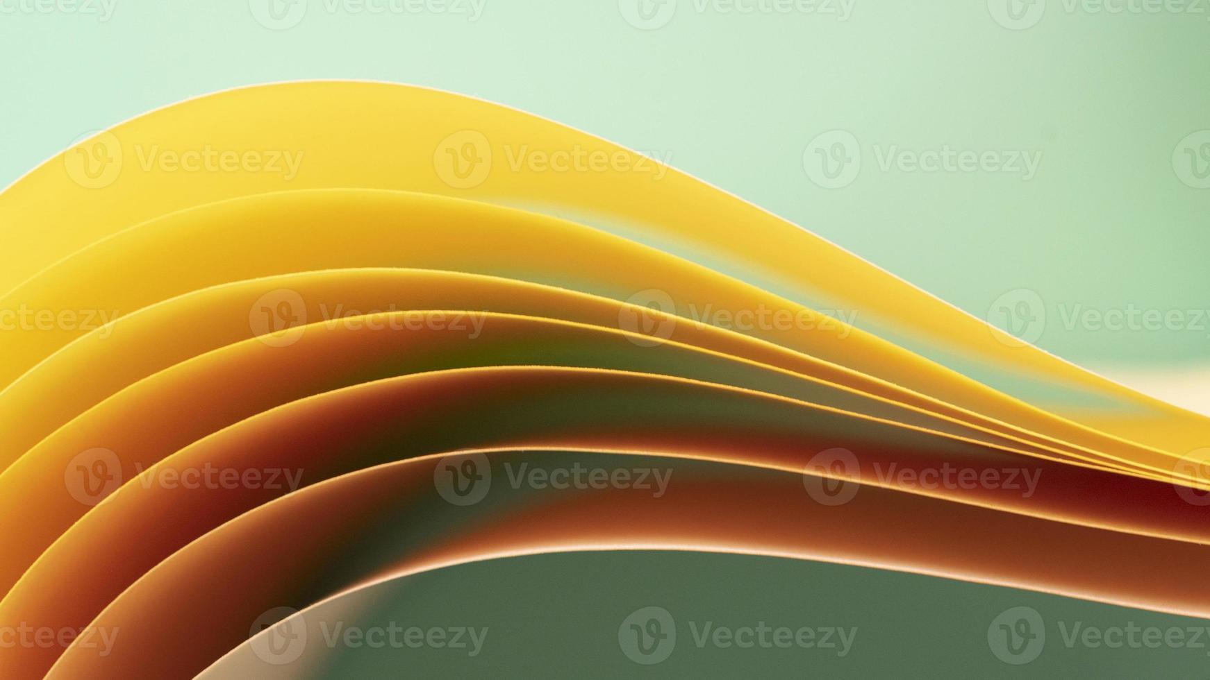camadas de papéis amarelos foto