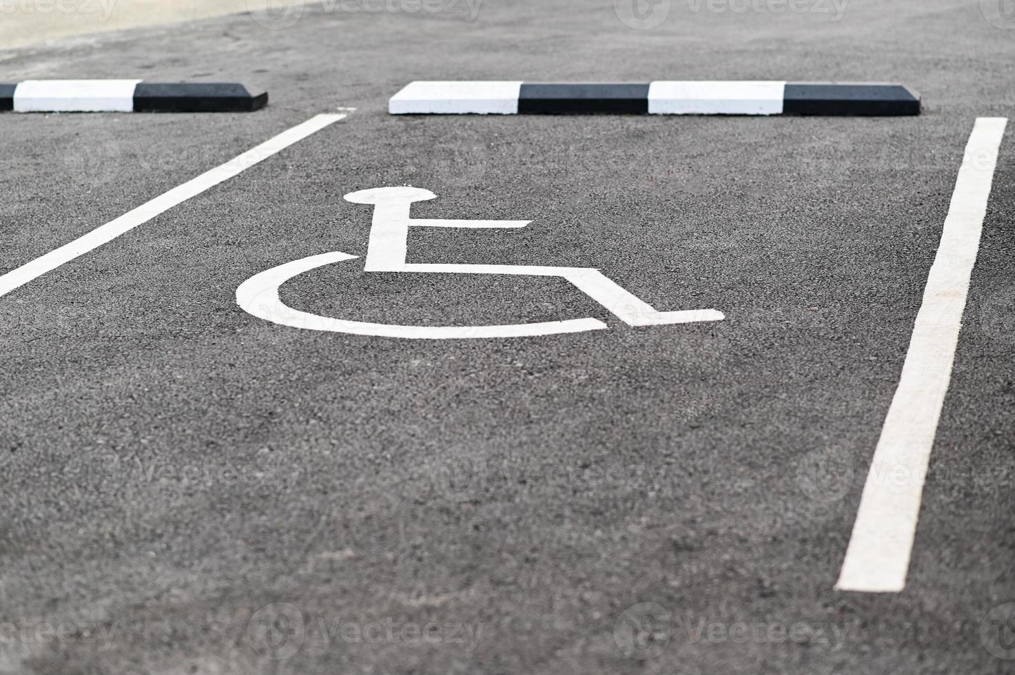 lugares de estacionamento para deficientes. foto