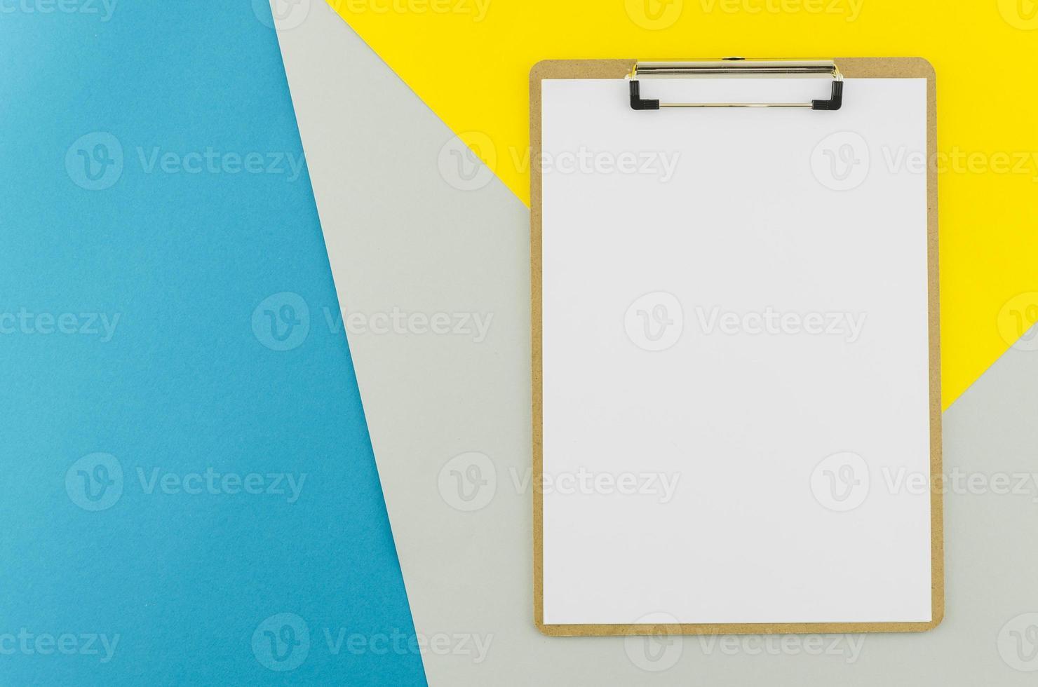 conceito plano leigo de prancheta foto