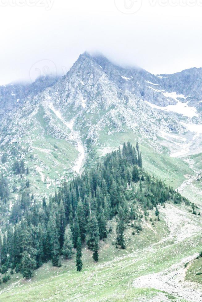 kumrat valley beautiful jazz banda landscape mountain view foto