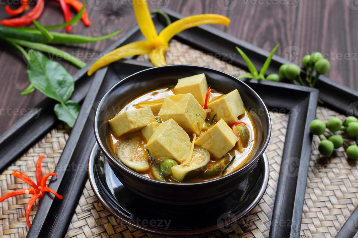 curry verde tofu alimentos vegetais. foto
